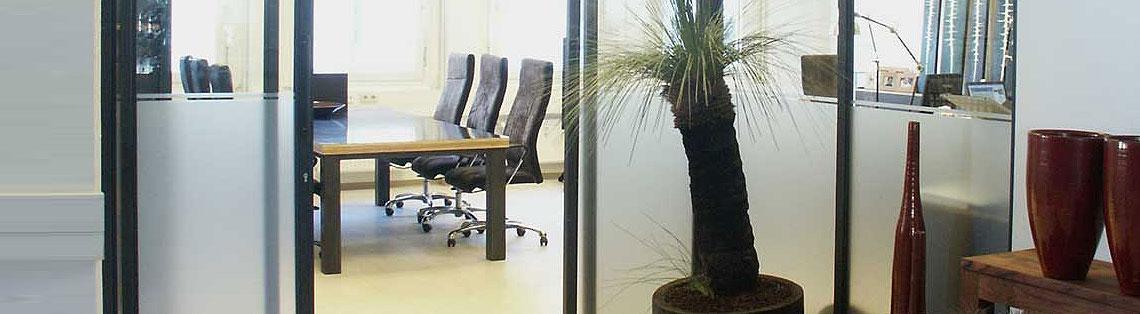 Büroeinrichtungen aus Metall
