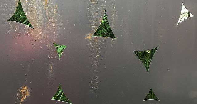 Design Metallzaun aus gelaserten Cortenstahlblechen
