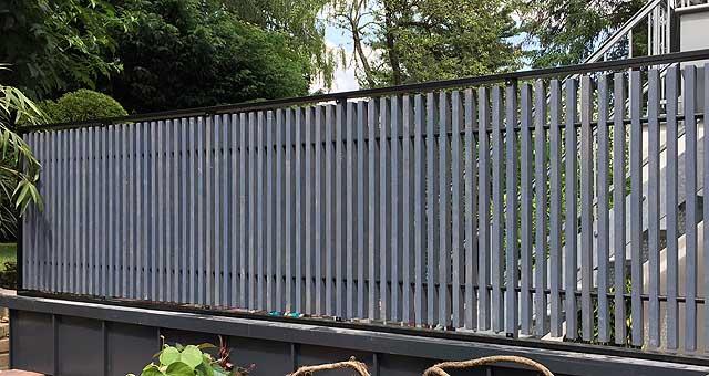Sichtschutz Zaun aus Metall